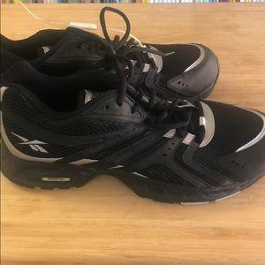 Reebok men's athletic shoes size 11